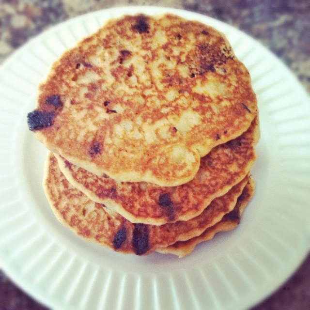 Perfect for weekend breakfast or brunch, these Best Ever Gluten free Chocolate Chip Pancakes are gluten free, vegan, and allergy friendly - @TheFitCookie #glutenfree #vegan